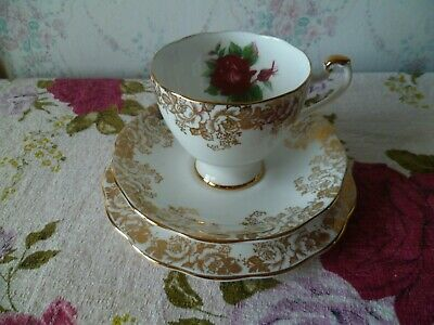 Pretty Vintage Roslyn China Trio Tea Cup Saucer Plate Gilded Roses R 1214
