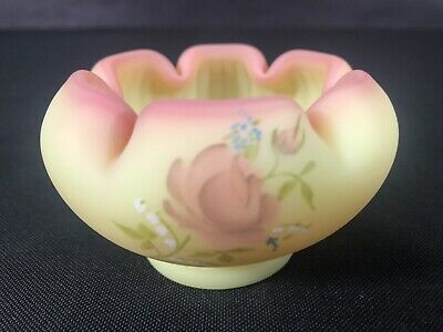 Fenton Burmese Miniature Rose Bowl Love Bouquet Mary Walrath 9558WQ Hand Painted
