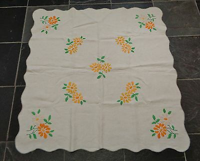 Vintage Embroidered Tablecloth  Yellow Flowers  Daisy Scalloped Edge