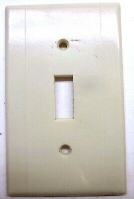 Leviton Switch Wall Plate Cover 2 Vertical Lines Beige Art Deco Bakelite Vintage