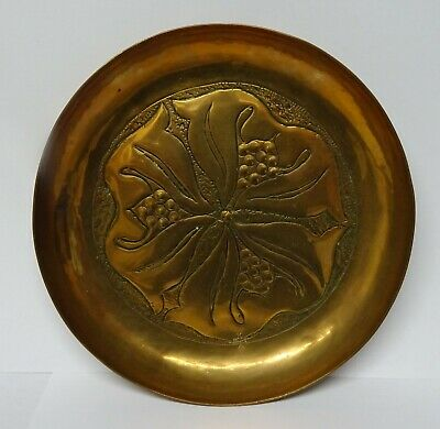 "Arts and Crafts Copper Dish Keswick KSIA Newlyn c 1900 12.5 cm / 5"" wide."