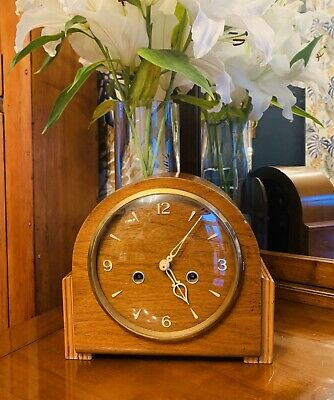 Great looking 1930-40's Oak Cased Chiming Mantle clock by Smiths of Enfield