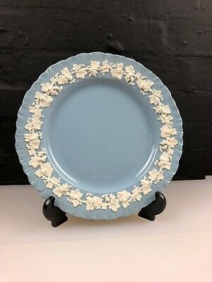 """Wedgwood of Etruria Barlaston Embossed Queensware White on Blue Plate 10.25"""""""