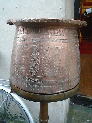 Antique Large Newlyn  ?  Copper Arts & Crafts Planter / Jardinere