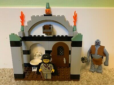 Lego 4712 Harry Potter TROLL ON THE LOOSE Complete NO Instructions