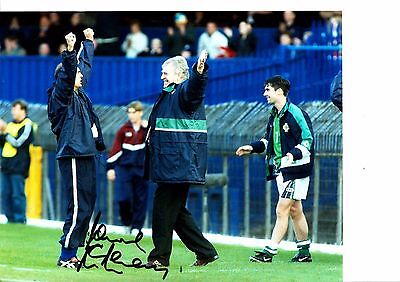 LAWRIE McMENEMY - SOUTHAMPTON & IRELAND MANAGER -  SIGNED COLOUR PHOTOGRAPH