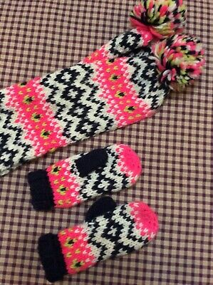 Marks and Spencer scarf and glove set age 3-6 years