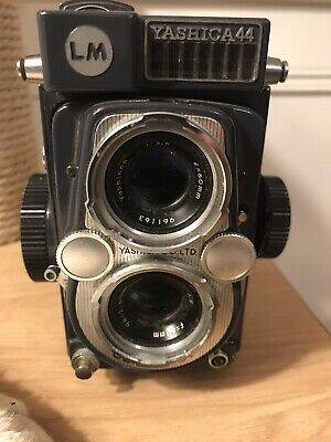 Yashica 44 LM, TLR, 127-format roll-film camera