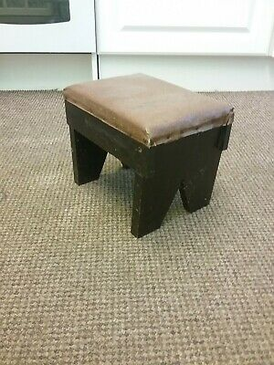 Small Vintage Retro Wooden Foot Stool Seat.