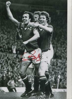 12 x 8  hand signed SAMMY McLROY -MAN UTD 77 FA CUP  - AFTAL   - undedicated