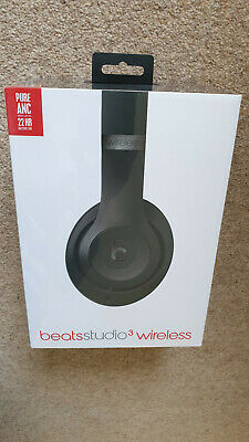 Beats Studio 3 Wireless Over-Ear Headphones - Matte Black MTQY2ZM/A