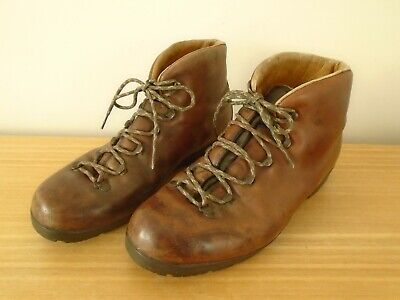 Vintage St Moritz Leather Walking / Hiking Boots Made In Italy