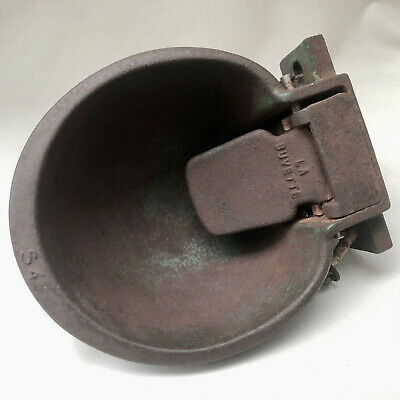 Vintage French Very Heavy Cast Iron Farm Animal Water Feeder, Small Sink Project