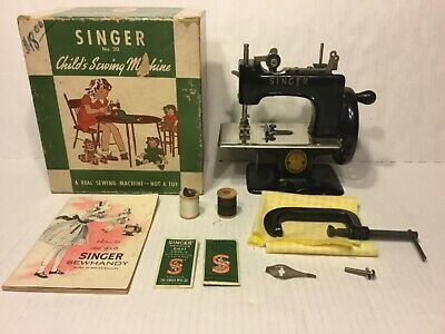 Vintage Singer Sewhandy #20 Childs Real Sewing Machine W/Box, Papers & More, Nm