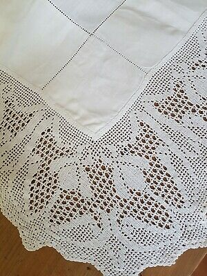 Vintage White Linen AUSTRALIAN Waratah Filet CROCHET Tablecloth/Supper Cloth