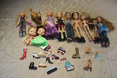 Lot 10 Bratz dolls, most are clothed, boys, girls, dog, lots of mismatched shoes
