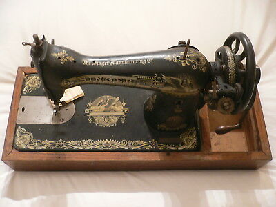 Singer Sewing Machine 1920 Model 15K F9776657 with Box