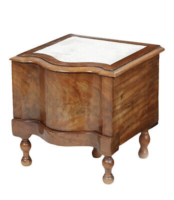19th Century English Traditional Figured Mahogany Bedstep Commode