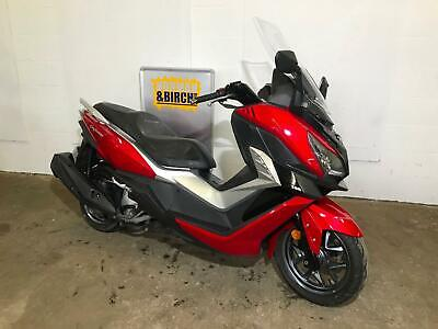 Sym CRUiSYM 300, scooter, 2018, red, clean, 1 owner, rare !