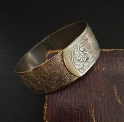 Beautiful Antique Victorian 1800s 19th Century Engraved Hinged Bangle Bracelet