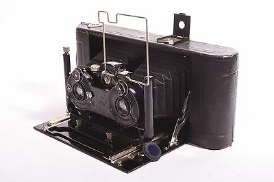 Exceptional Lloyd 660 Stereo Camera by Ica with Tessar F/6.3 - 120mm. for Film