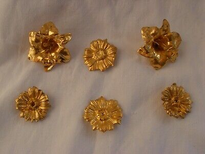 A LOT OF ANTIQUE FRENCH GILT BRONZE FLOWERS,REPLACEMENT,SPACE PART,LATE 19th.