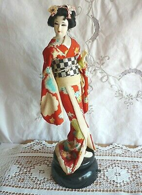 VINTAGE JAPANESE GEISHA DOLL on ROTATING MUSICAL BASE – WORKING ORDER BEAUTIFUL