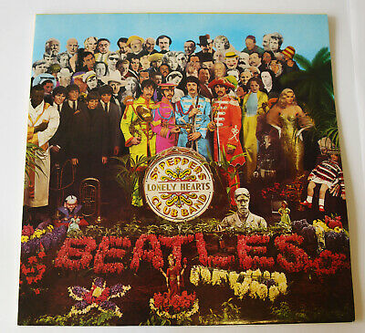 Beatles Sgt Peppers Lonely Hearts Club Band Vinyl Album. UK Parlophone PCS7027