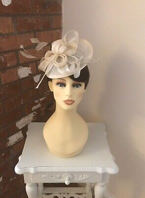 Gina Bacconi Fascinator, Wedding Occasion, Formal Races In Ivory NWT