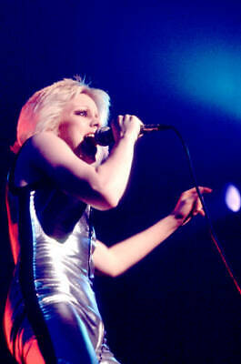 OLD MUSIC PHOTO 1977 Singer Cherie Currie Of The Runaways Performs Onstage 3