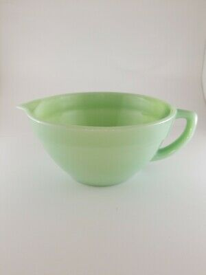 Vintage Fire King Jadeite Green Oven Ware Large Mixing Bowl Measuring Cup Nice!