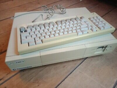 Amiga 1000 With Keyboard - Tested And Boots!