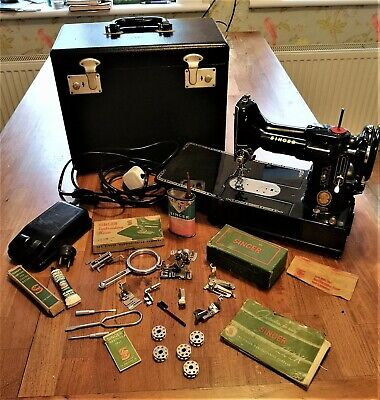 Fabulous Vintage Singer Featherweight 222K Sewing Machine,, Attachments nice con