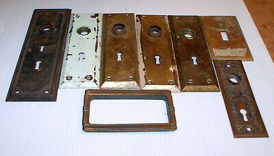 LOT 8 ANTIQUE OLD RUSTIC FANCY METAL KEYHOLE DOOR KNOB BACKPLATE COVERS rw