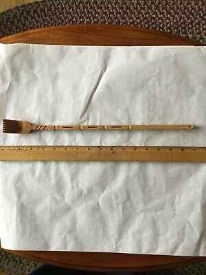 Vintage Wooden Back Scratcher. Bamboo? 16 Inches Long