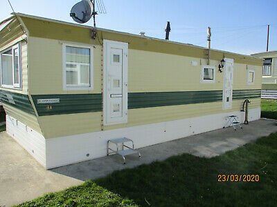 static caravan double glazed,gas central heating, skirting