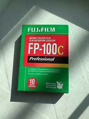 FujiFilm FP-100C ISO 3.5x4.2 in Professional Instant Colour Film Exp 05-18