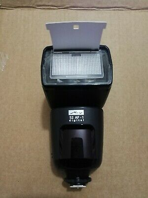 Metz Mecablitz 52 AF-1 Digital shoe mount flash for Canon