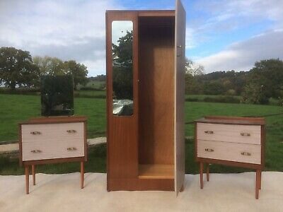 Wardrobe and 2x  chest of draws vintage - Collectors - Retro Stunning