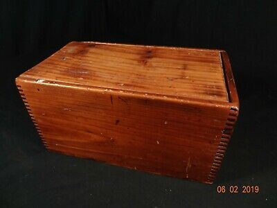 Nice Antique 19thC Primitive Dovetailed  Candle Box