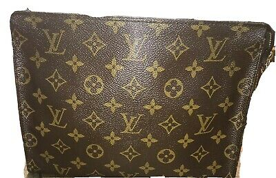 Louis Vuitton Monogram 26 Toiletry Bag Manufactured In France In 1991. AUTHENTIC