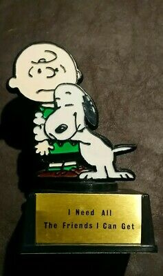 Aviva 1970 Peanuts Snoopy Charlie Brown Trophy I Need All The Friends I Can Get