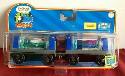 Wooden Railway Thomas /& Friends Thomas With Aquarium Cars Shark And Octopus