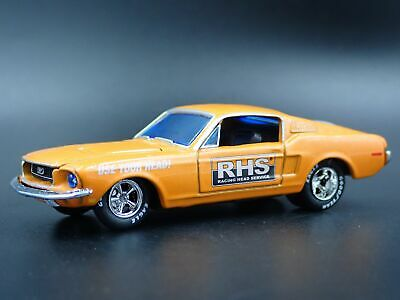 1968 68 FORD MUSTANG Fastback 2+2 RHS 1/64 Miniature de Collection Voiture