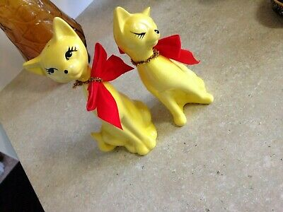Retro yellow  Cats Salt And Pepper Shakers Japan 1960s