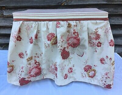 Vanity Bench Stool Pleated Skirt Country Cottage Farmhouse White Red Floral