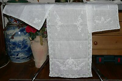 Set Of Beautiful Vintage Fine Hand Embroidered White Table Linens  & Napkins/190