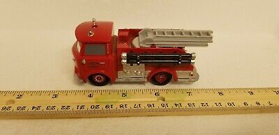 Disney/Pixar Cars 2012 Deluxe Red the Fire Engine of Radiator Springs 1:55 Scale