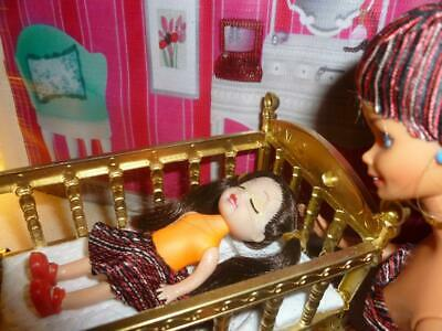 Barbie Kelly Doll Size Dollhouse Diorama Nursery Furniture Crib/Bed/Cradle+ Doll