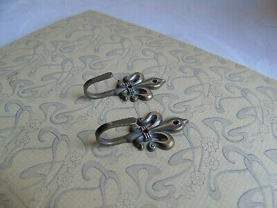 French  a pair of small metal wall hooks Fleur de Lis vintage